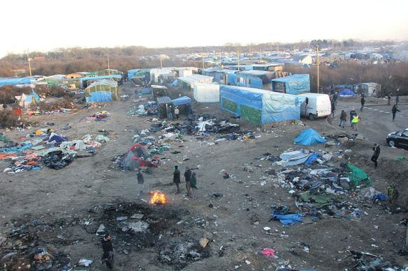 800px-Overview_of_Calais_Jungle.jpg